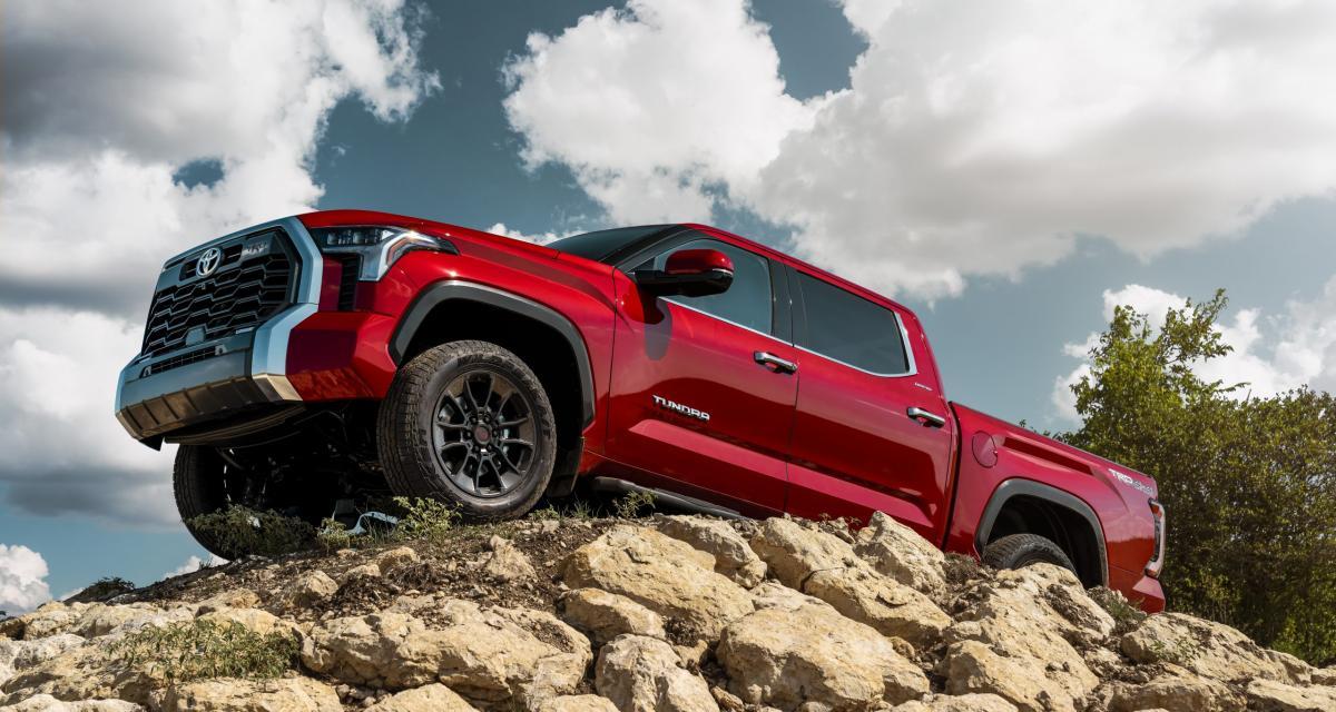 Regarder la vidéo Toyota Tundra (2022) : gros renouveau pour le pick-up américain d'origine japonaise