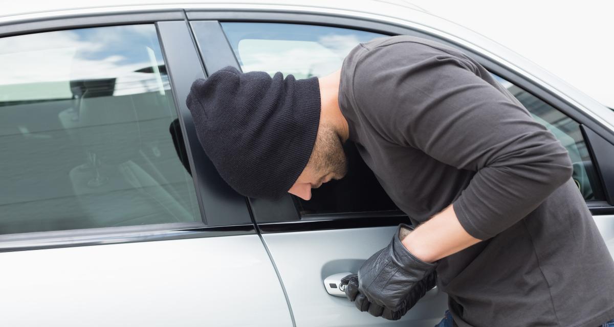Il vole une voiture pour se rendre à un rassemblement de gilets jaunes, celle de son frère