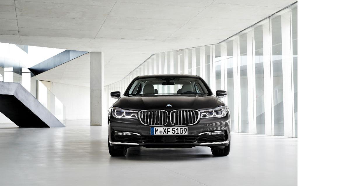 BMW 750d xDrive : 4 turbos et 400 ch pour le L6 Diesel