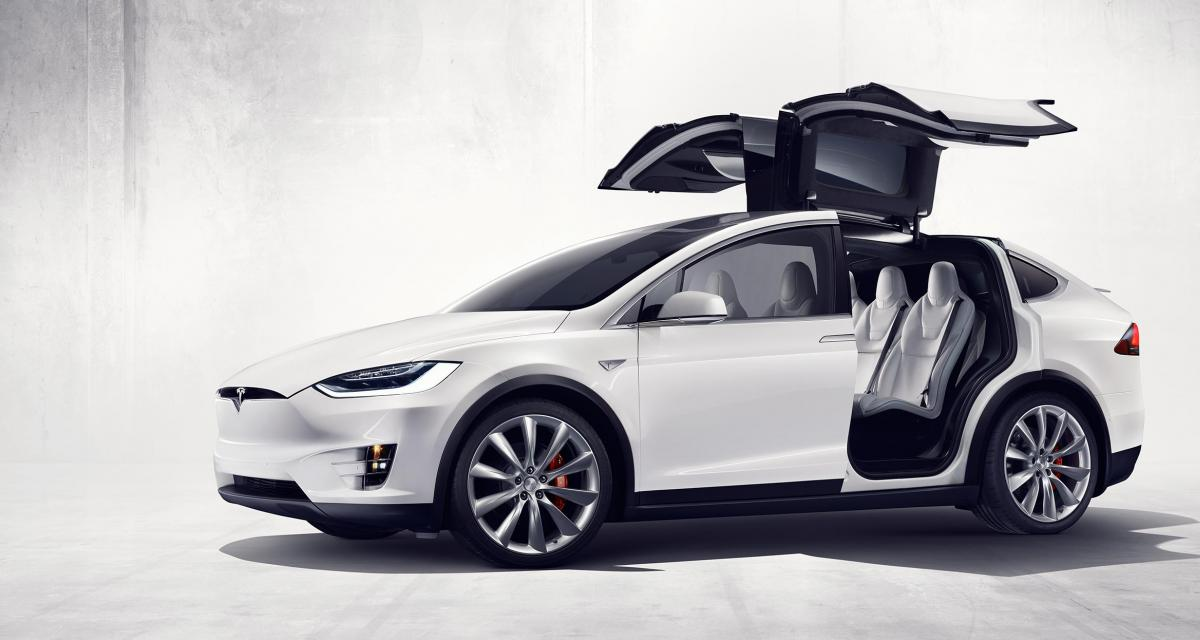 tesla model x un suv lectrique de 772 ch. Black Bedroom Furniture Sets. Home Design Ideas