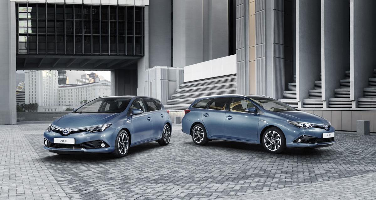 Toyota : un coup de jeune pour l'Auris et l'Avensis (Genève 2015)