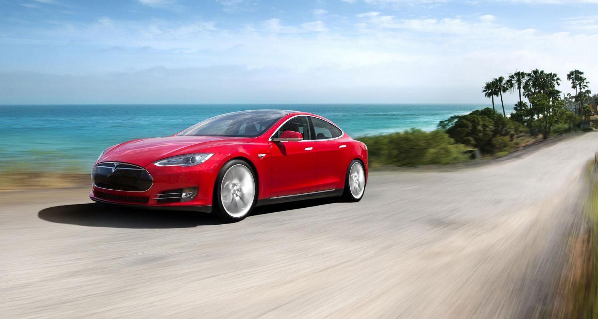 Tesla Model S : conduite autonome et transmission intégrale