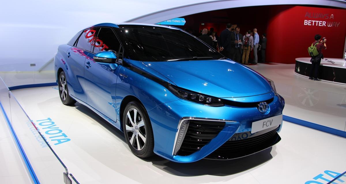 Mondial de l'Automobile 2014 : Toyota Fuel Cell Sedan