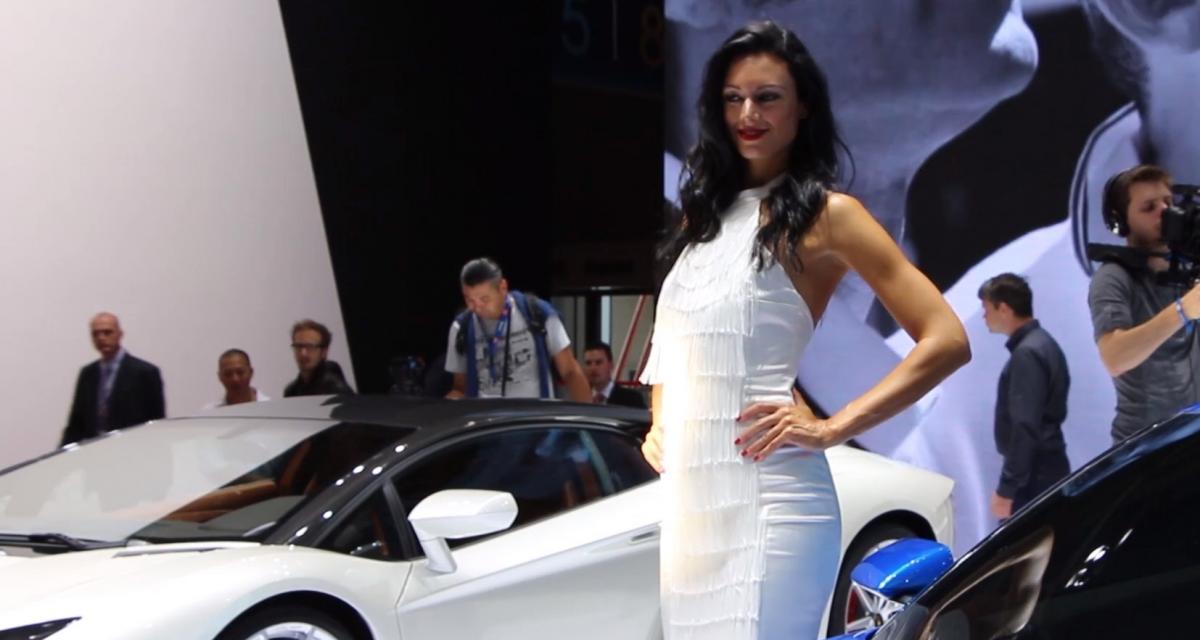 Les hôtesses Lamborghini au Mondial de l'Auto 2014 en vidéo