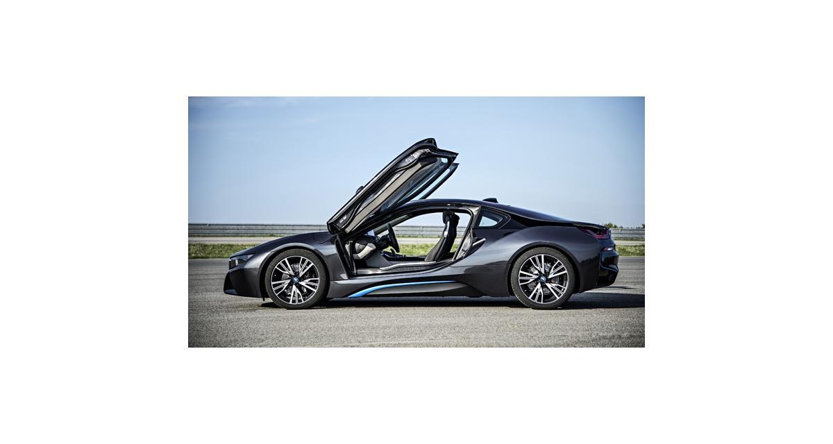 BMW i8 : livraison en juin, toutes les performances