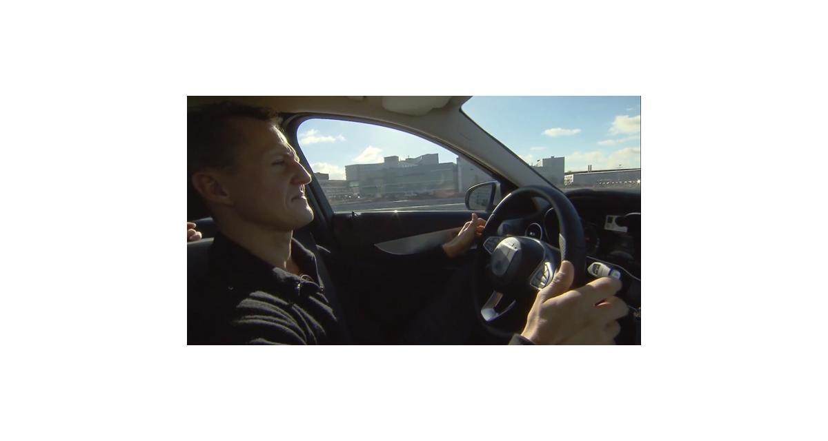 Michael Schumacher teste la nouvelle Mercedes Classe C