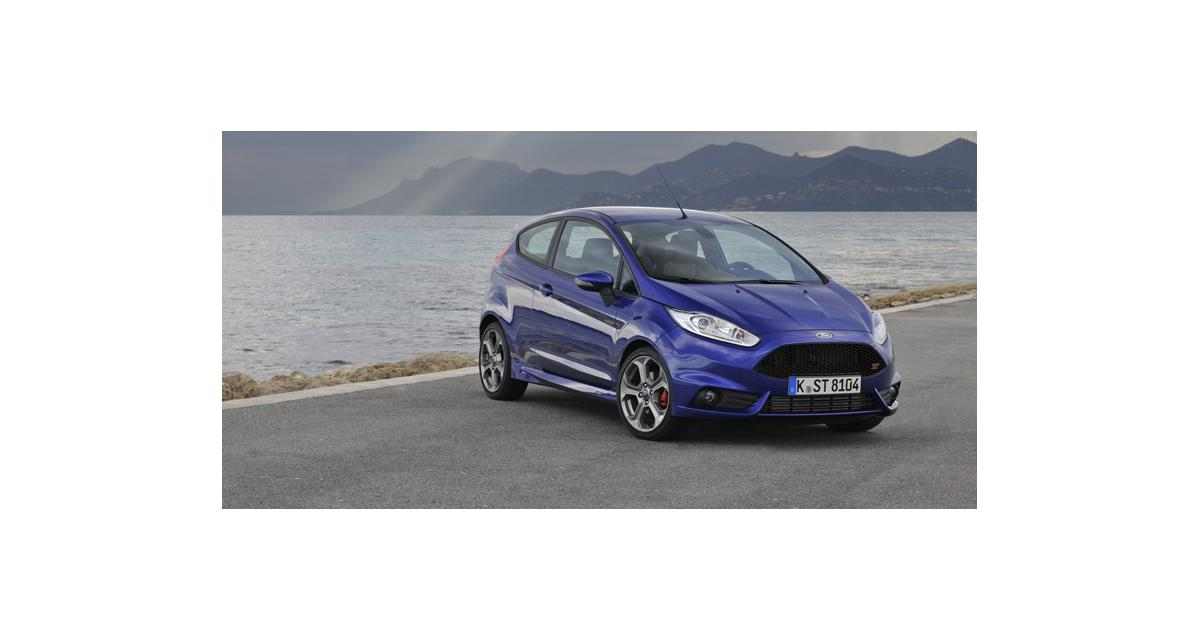ford fiesta st et focus st encore plus de puissance. Black Bedroom Furniture Sets. Home Design Ideas