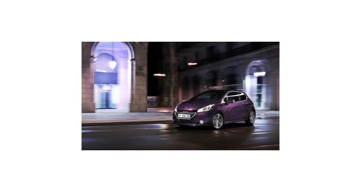 La Peugeot 208 XY en vedette sur les Champs-Elysées