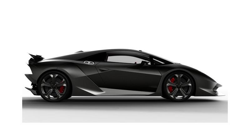 La Lamborghini Sesto Elemento en approche