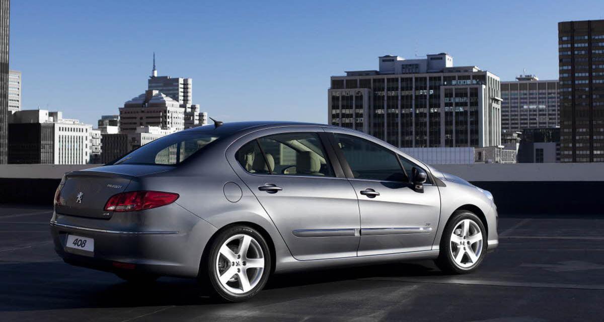 Peugeot 408 : la 308 se fait la malle