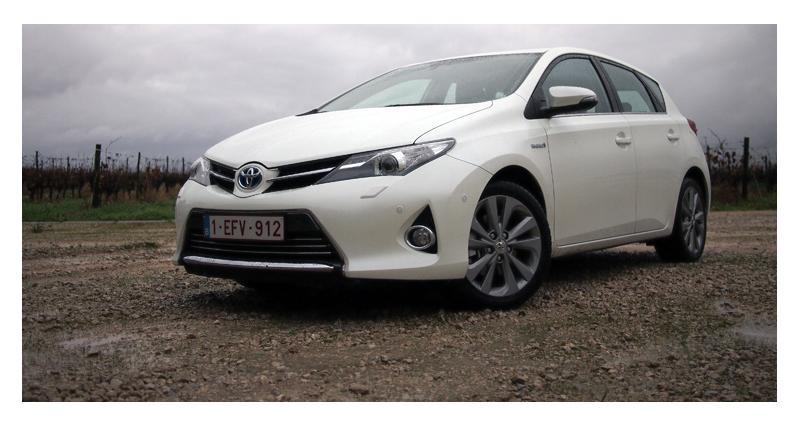 Essai : Toyota Auris Hybride et 2.0 D-4D (2013)