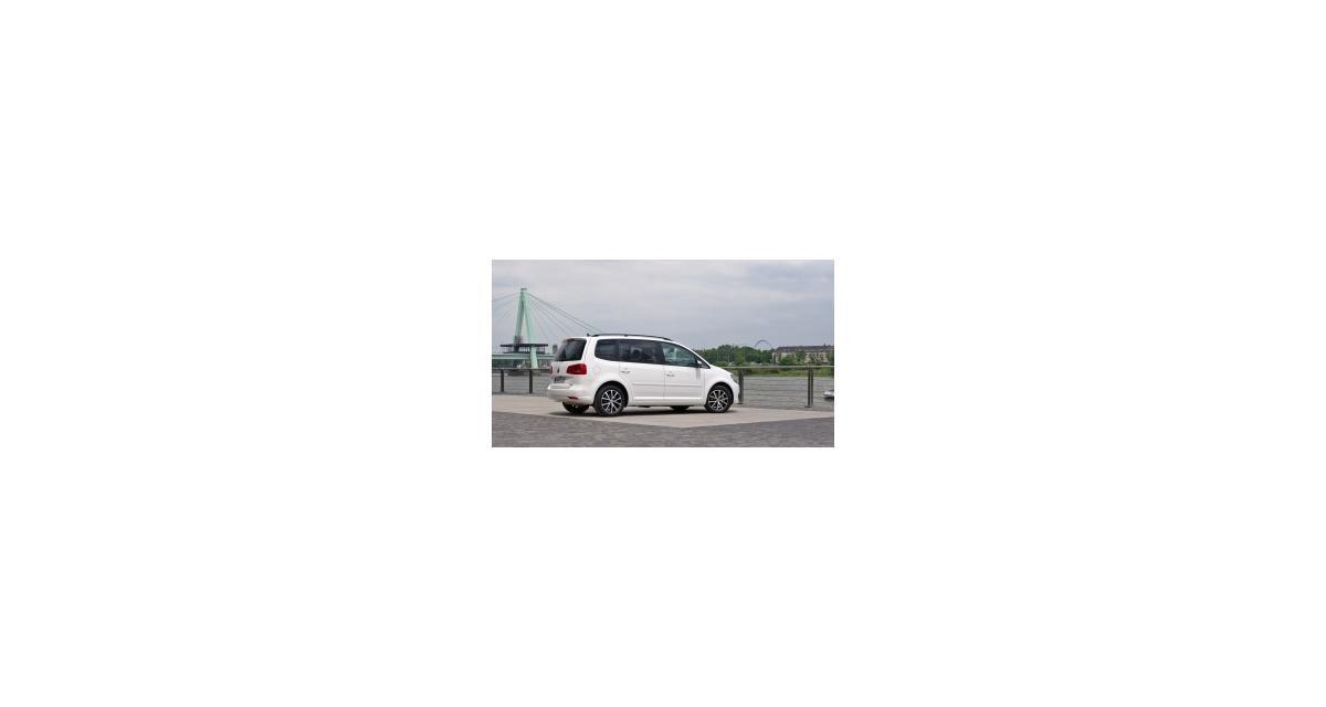 Contact : Volkswagen Touran 1.6 TDI 105 FAP BlueMotion