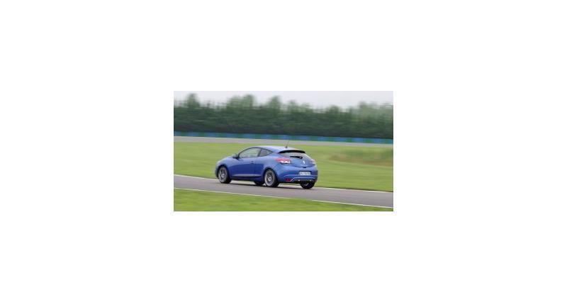 Contact : Renault Mégane GT