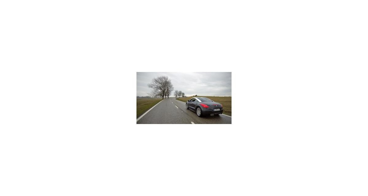 Contact : Peugeot RCZ 1.6 THP 200