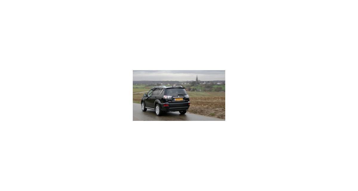 Contact : Mitsubishi Outlander 2.2 DiD