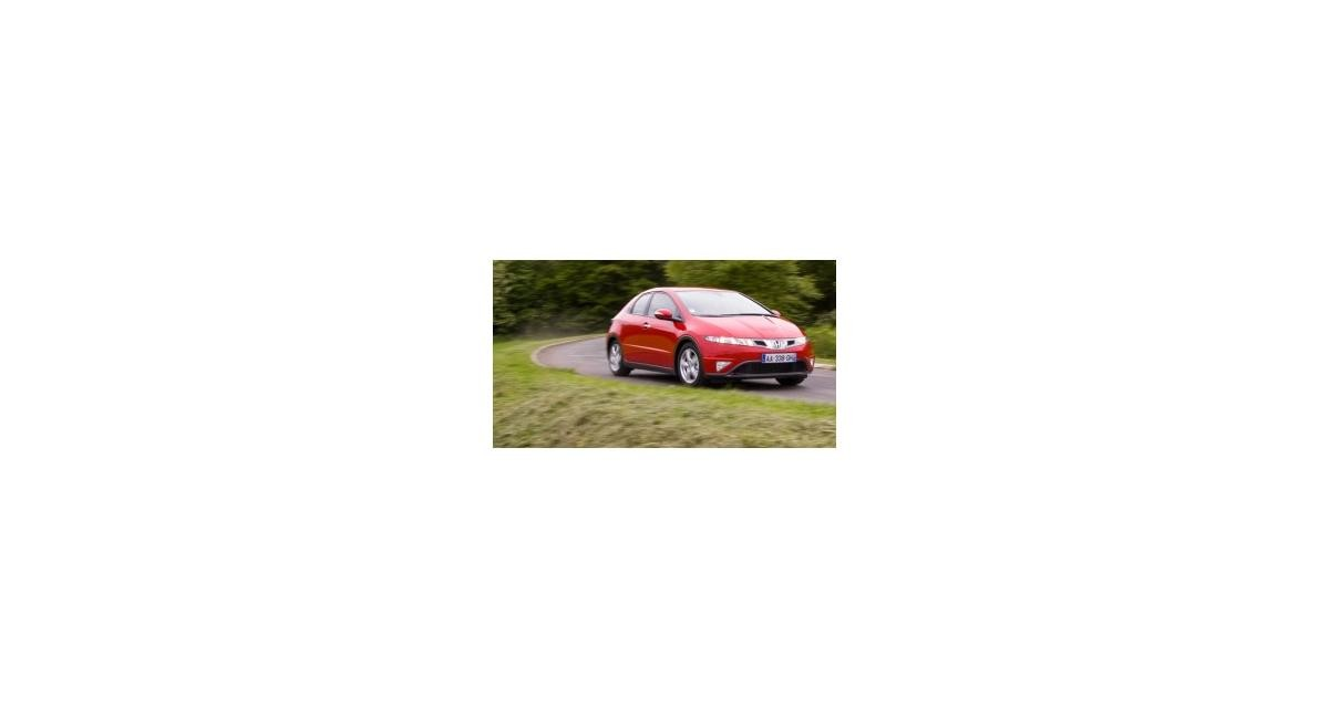 Contact : Honda Civic 1.4 i-VTEC