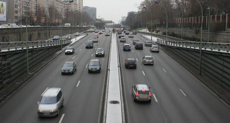 Interdiction des voitures polluantes à Paris : Anne Hidalgo interpelle le gouvernement