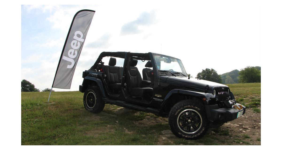 Fabuleux Jeep Academy : Une journée pour faire du tout-terrain ZZ03