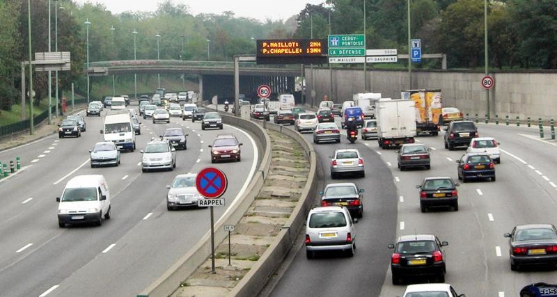 Ecotaxe : les routiers menacent de bloquer les routes