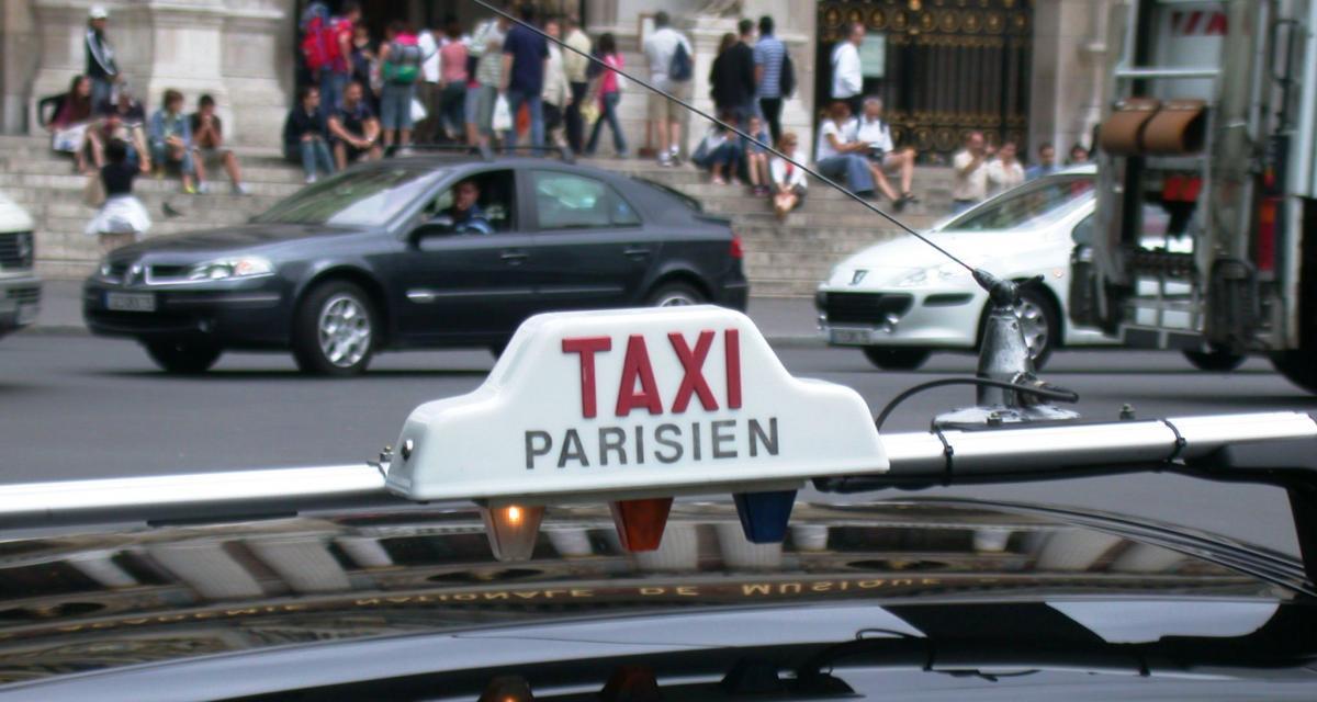 Taxis contre VTC : la loi Thévenoud adoptée mais édulcorée