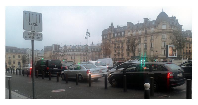 Taxis contre VTC : le rapport qui pourrait régler le conflit
