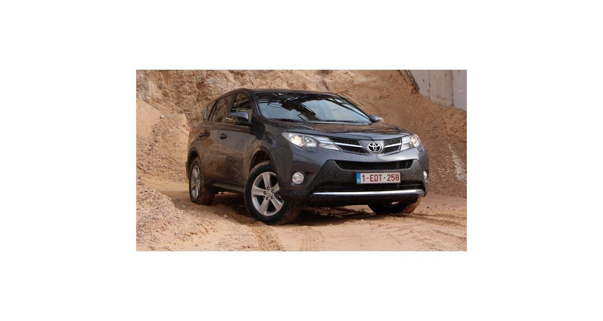Kuga, RAV4, CX-5, CR-V et Sportage : les SUV compacts à l'essai