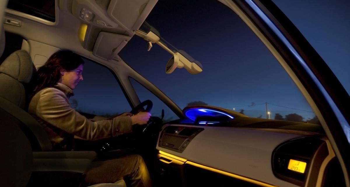 Téléphoner en voiture augmenterait les risques de cancer