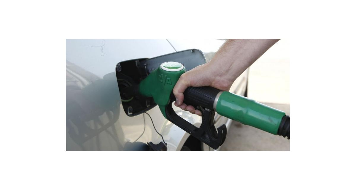 A qui profite la baisse du prix des carburants