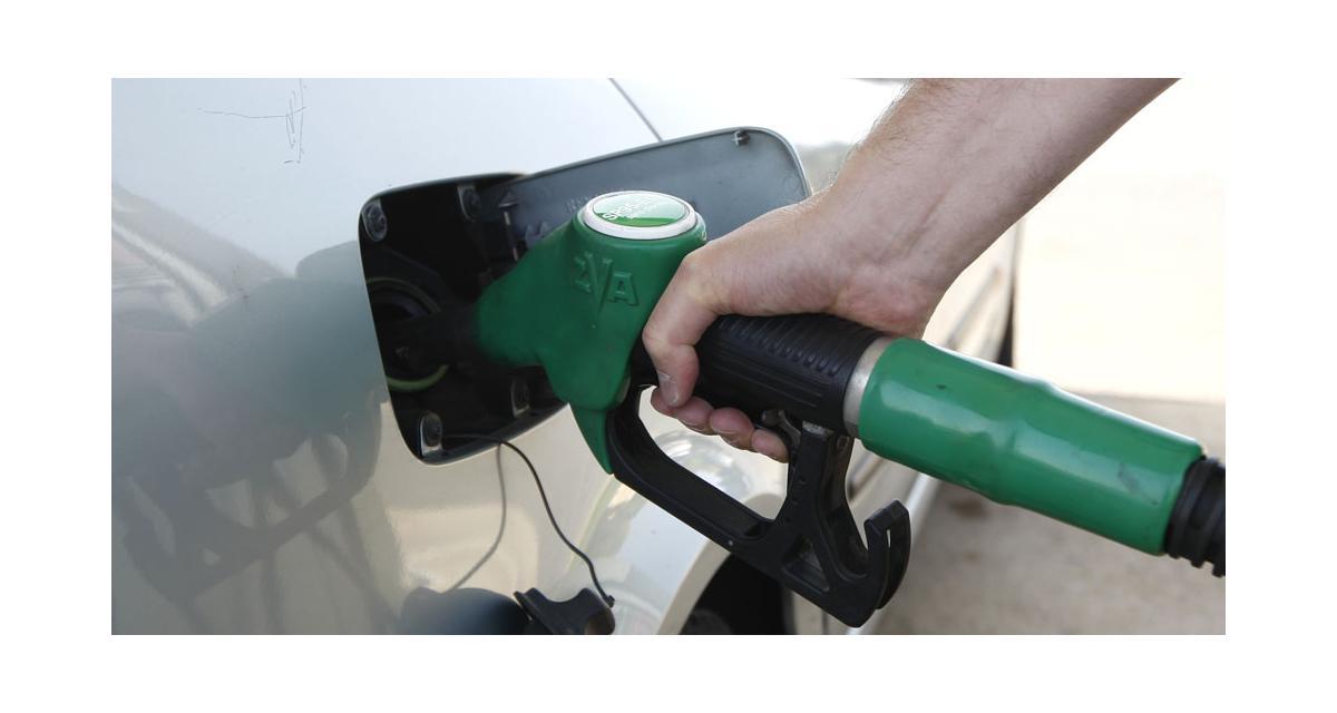 Prix des carburants : une baisse de 6 centimes