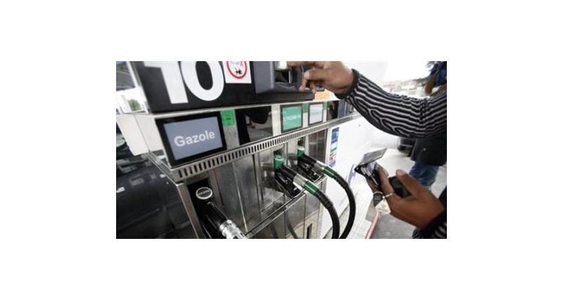 Prix du carburant : au mieux, une baisse de 2 € par plein