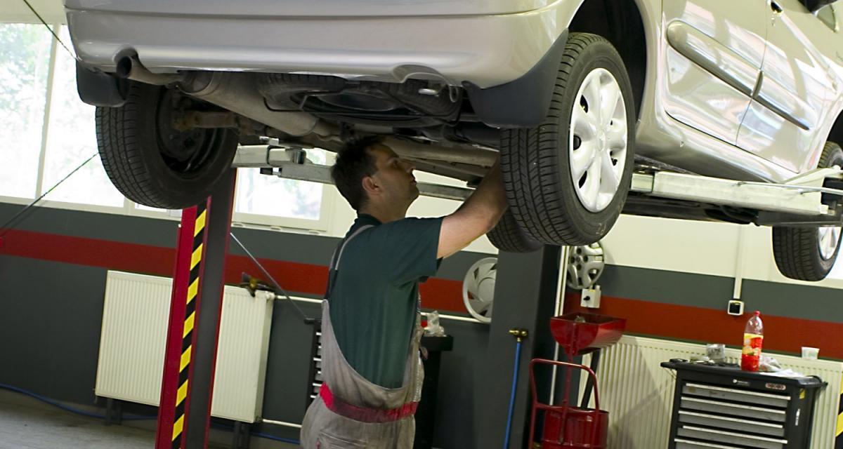 Entretien automobile : les constructeurs pointés du doigt