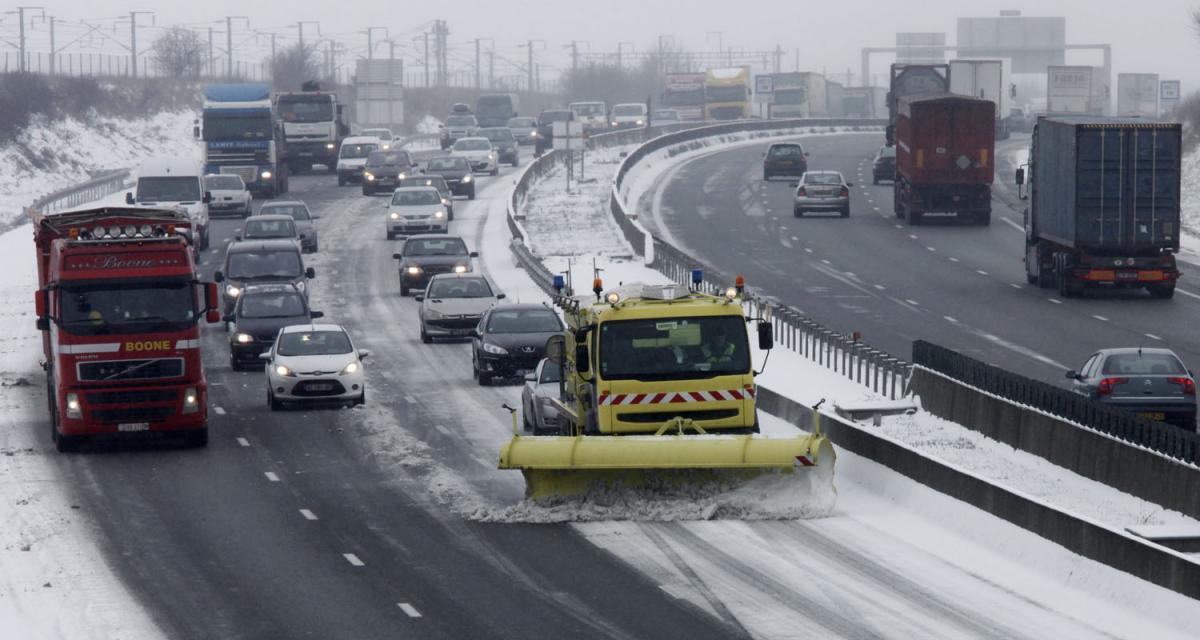 Neige et verglas : les routes de France en souffrance