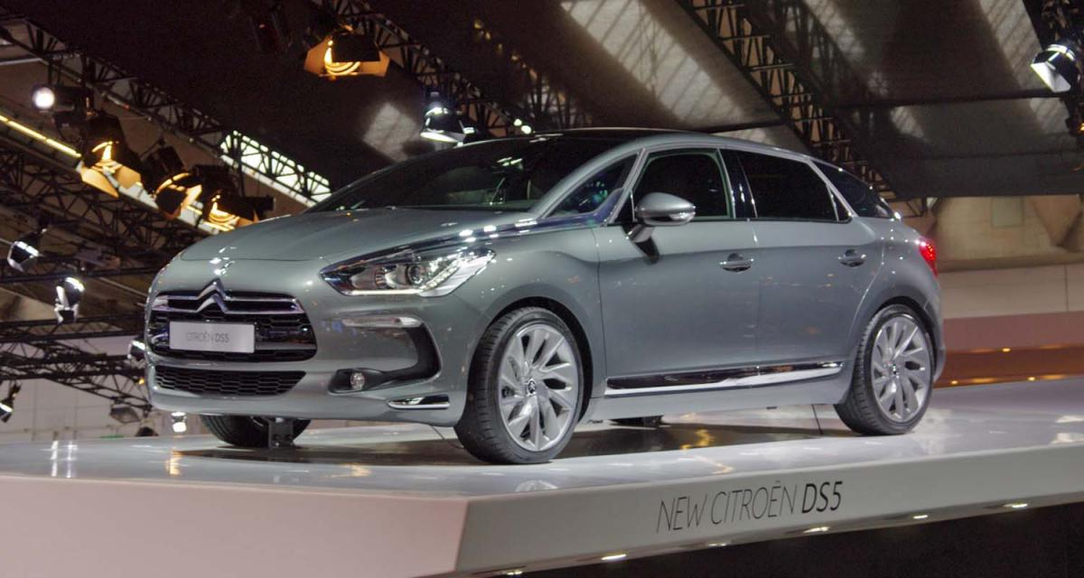 Citroën : les DS sur les Champs-Elysées
