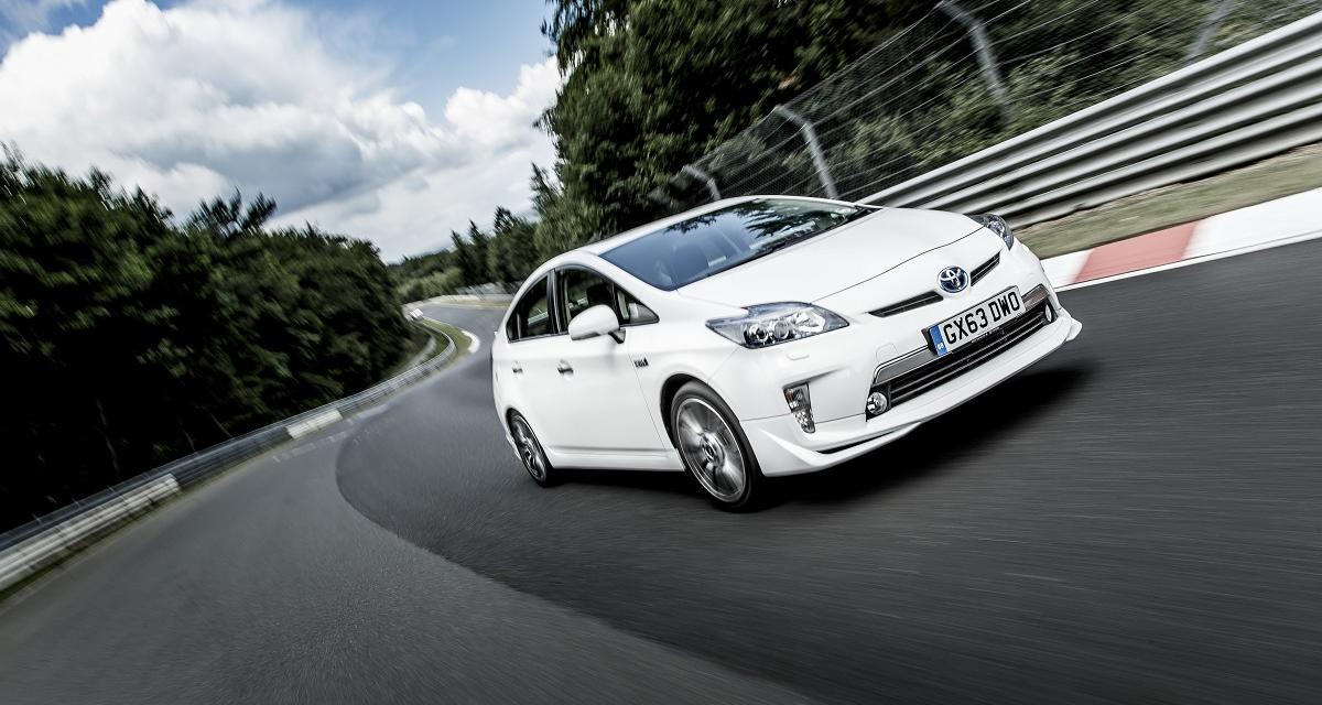 La Toyota Prius établit un nouveau record sur le Nürburgring