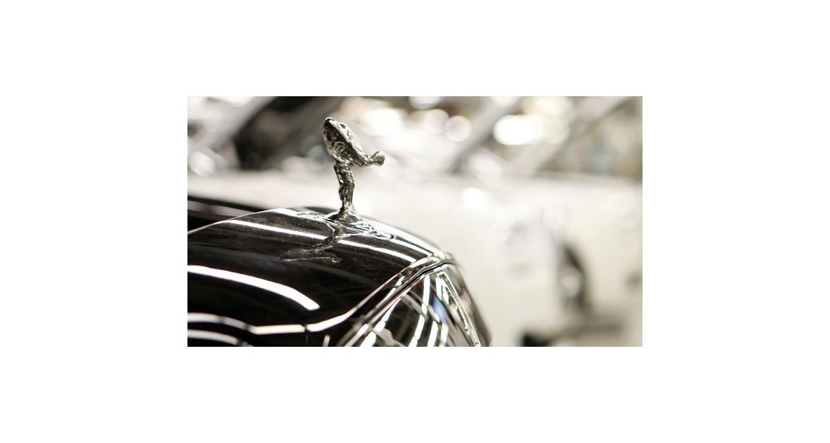 Rolls-Royce songe officiellement à un SUV