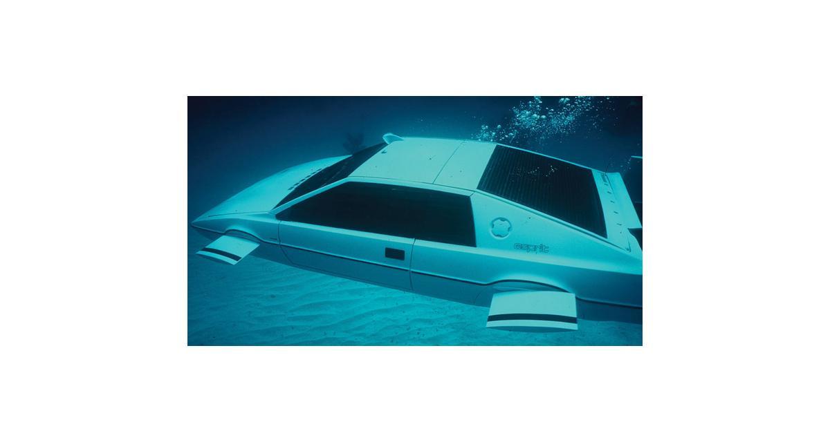 La Lotus Esprit de James Bond aux enchères