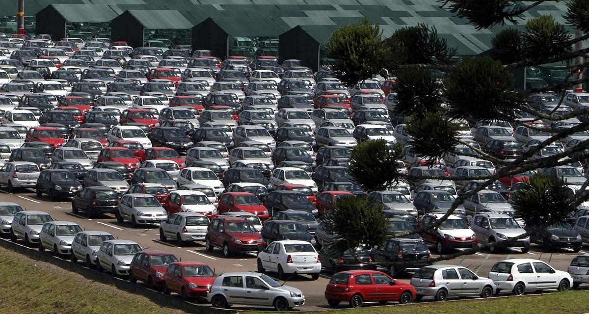 """Ayrault : """"les dirigeants automobiles doivent dire leur stratégie de développement. »"""""""