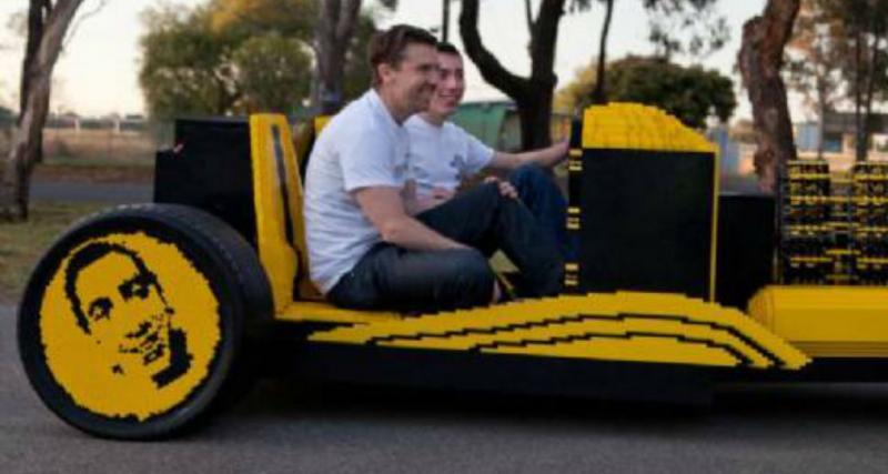Zapping de la semaine: courses en Twingo, conduire une voiture Lego, vous allez devenir dingo!