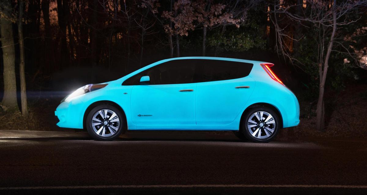 Une Nissan Leaf qui brille dans le noir