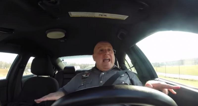 Vidéo : un policier (très) fan de Taylor Swift