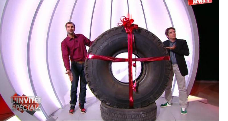 Zapping Autonews : Amélie Nothomb, cabriole pour Nicky Hayden et routier chanceux