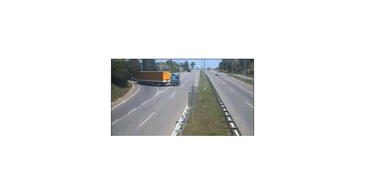 Des voleurs de cuivre prennent l'A62 à contresens avec leur fourgon