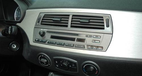 Montage : Intégration sur-mesure d'un combiné Clarion NX706E dans une BMW Z4