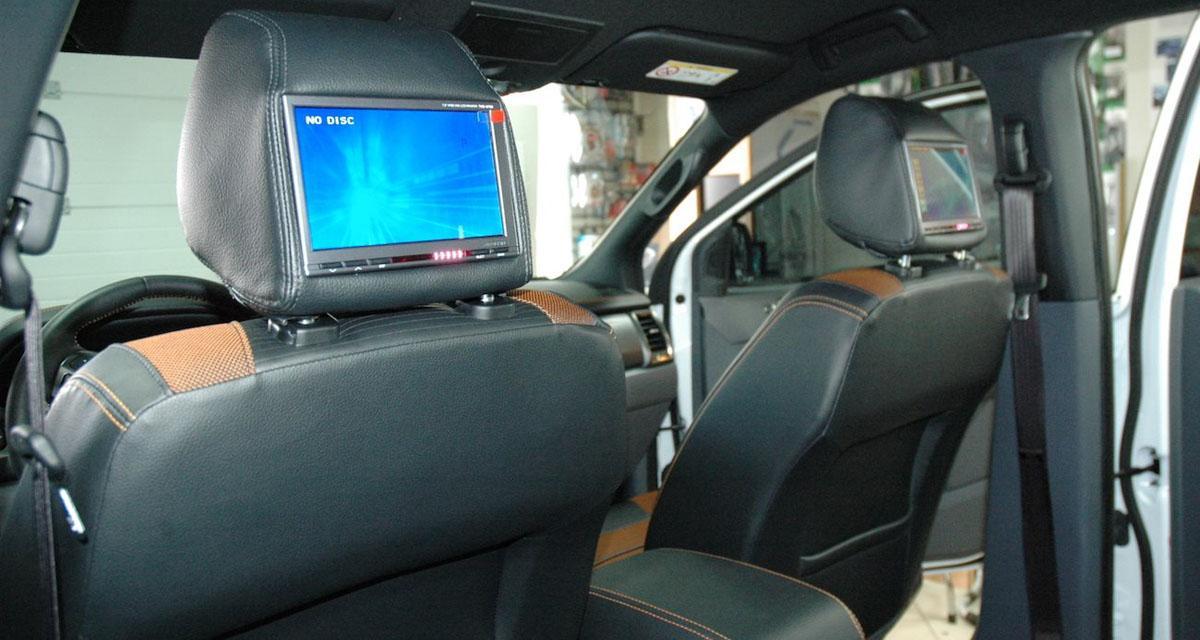 Installation : Un système vidéo pour les passagers arrière dans un Ford Ranger