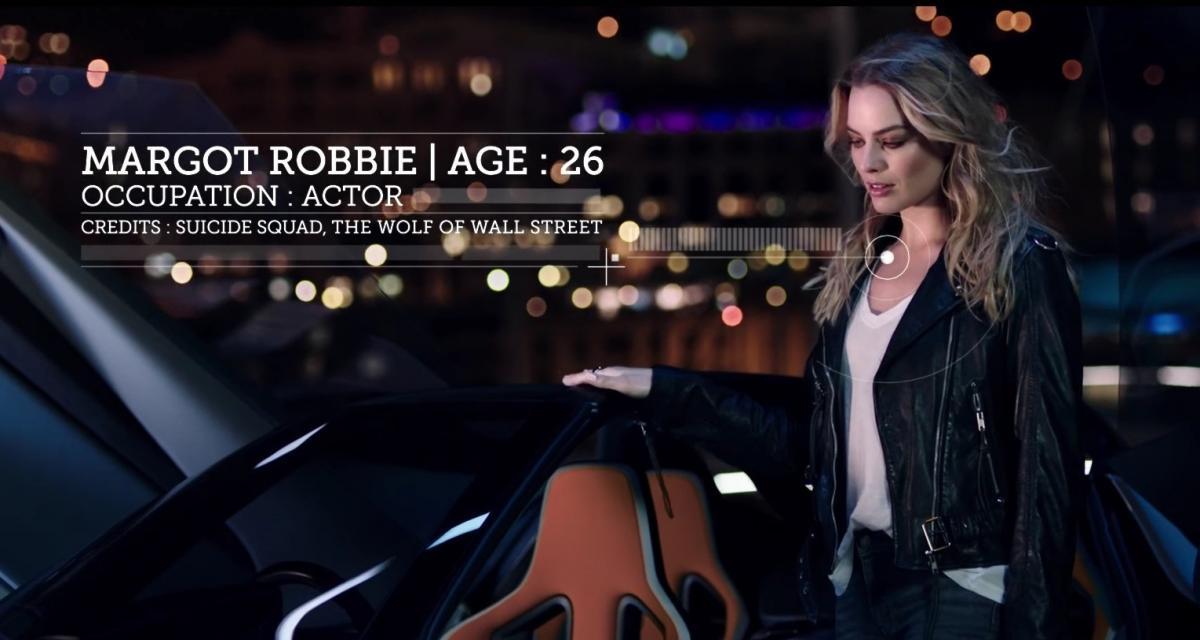 La charmante Margot Robbie fait un tour à Monaco dans la Nissan BladeGlider