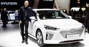 Bertrand Piccard échange son Solar Impulse contre une Hyundai Ioniq