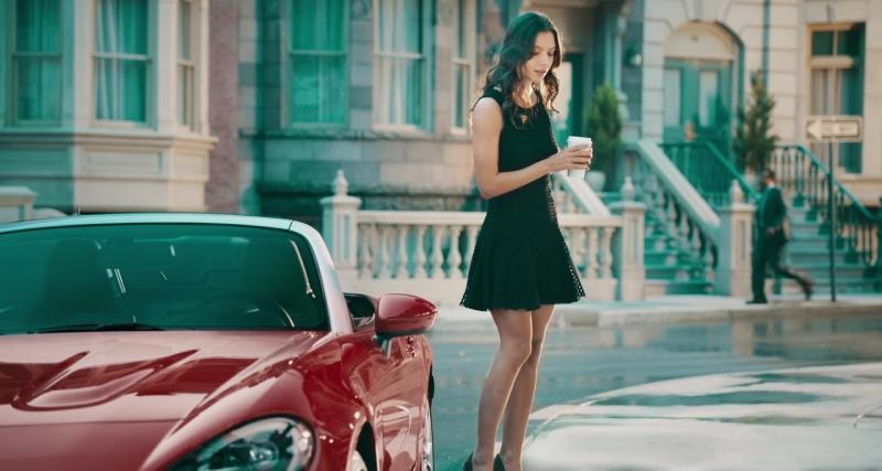 Entre la Fiat 124 Spider et le 500X, c'est une histoire d'amour... et de strip-tease !