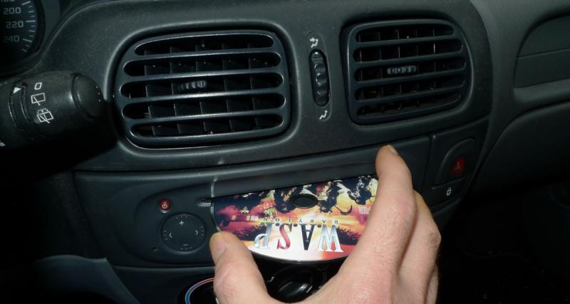 Le lecteur CD disparaît de plus en plus sur les autoradios d'origine