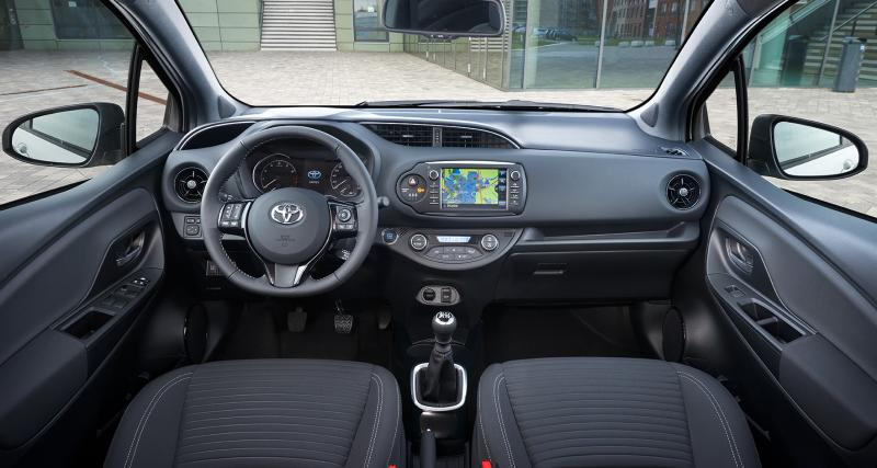 toyota yaris restyl e la citadine hybride l 39 essai. Black Bedroom Furniture Sets. Home Design Ideas