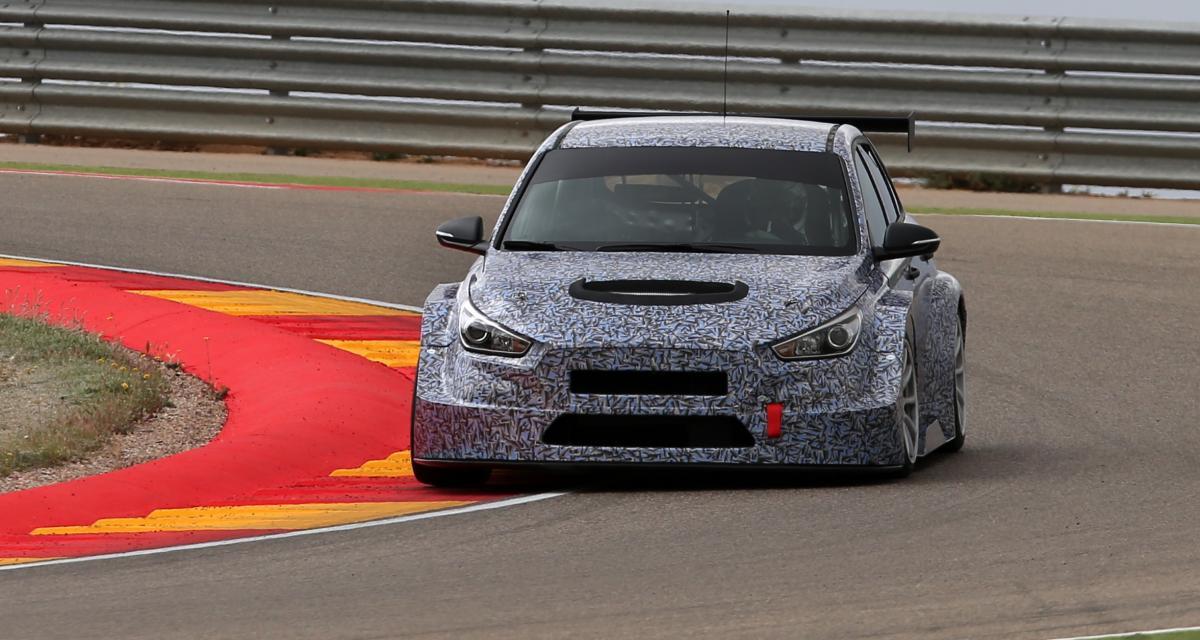 Premiers tests sur circuit pour la Hyundai i30 TCR de course